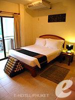 プーケット ロングステイのホテル : ナナイ ヴィラ(Nanai Villa)のスタンダードルームの設備 Bedroom