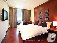 パタヤ シラチャーのホテル : ナラ レジデンス(1)のお部屋「2ベッドルーム デプレックス プール スイート」