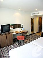 バンコク シーロム・サトーン周辺のホテル : ナライ ホテル(Narai Hotel)のスーペリア(シングル)ルームの設備 Living Area