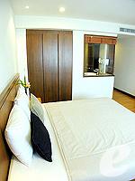 バンコク シーロム・サトーン周辺のホテル : ナライ ホテル(Narai Hotel)のデラックス ルームルームの設備 Bedroom