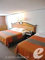 バンコク シーロム・サトーン周辺のホテル : ナライ ホテル(Narai Hotel)のタイ スイート ルームルームの設備 Bedroom