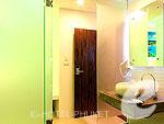 プーケット パトンビーチのホテル : アイ チェックイン パトン プーケット(i Check Inn Patong Phuket)のデラックスルームの設備 Bath Room