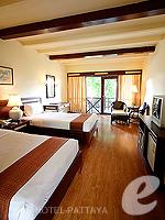 パタヤ ジョムティエンビーチのホテル : ナチュラル パーク リゾート(Natural Park Resort)のスタンダードルームの設備 Bedroom