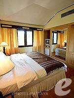 パタヤ ジョムティエンビーチのホテル : ナチュラル パーク リゾート(Natural Park Resort)のジュニア スイート ルームルームの設備 Bedroom