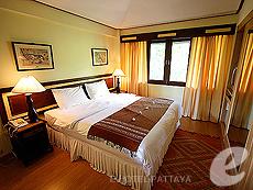 パタヤ ジョムティエンビーチのホテル : ナチュラル パーク リゾート(1)のお部屋「ジュニア スイート ルーム」