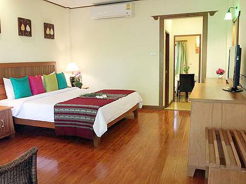 パタヤ ジョムティエンビーチのホテル : ナチュラル パーク リゾート(1)のお部屋「デラックス」