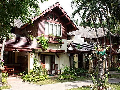 パタヤ ジョムティエンビーチのホテル : ナチュラル パーク リゾート(1)のお部屋「バンガロー ファミリー スイート 2ベッドルーム」