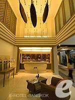 Entrance Hall : Navalai River Resort, Palace Khaosan, Phuket