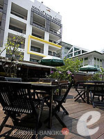 Restaurant / Navalai River Resort,