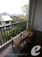 バンコク 王宮・カオサン周辺のホテル : ナバライ リバー リゾート(Navalai River Resort)のセリーヌ コーナールームの設備 Balcony