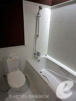 バンコク 王宮・カオサン周辺のホテル : ナバライ リバー リゾート(Navalai River Resort)のセリーヌ コーナールームの設備 Bathroom