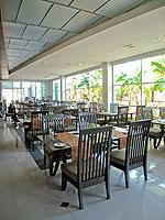 サムイ島 コネクティングルームのホテル : ノラ チャウエン ホテル 「Restaurant」