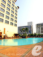 Swimming Pool / Novotel Bangkok On Siam Square,