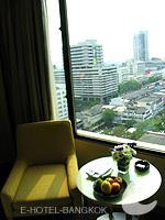 バンコク サイアム・プラトゥーナムのホテル : ノボテル バンコク オン サイアムスクエア(Novotel Bangkok On Siam Square)のスーペリアルームの設備 Relax Chair