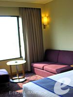 バンコク サイアム・プラトゥーナムのホテル : ノボテル バンコク オン サイアムスクエア(Novotel Bangkok On Siam Square)のデラックスルームの設備 Sitting Area