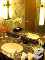 バンコク サイアム・プラトゥーナムのホテル : ノボテル バンコク オン サイアムスクエア(Novotel Bangkok On Siam Square)のデラックスルームの設備 Bathroom