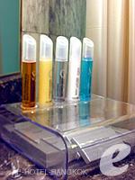 バンコク サイアム・プラトゥーナムのホテル : ノボテル バンコク オン サイアムスクエア(Novotel Bangkok On Siam Square)のデラックスルームの設備 Bath Amenities