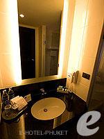 プーケット スパ併設のホテル : ノボテル プーケット ビンテージ パークリゾート(Novotel Phuket Vintage Park)のスーペリアルームの設備 Bath Room