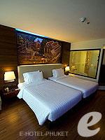 プーケット スパ併設のホテル : ノボテル プーケット ビンテージ パークリゾート(Novotel Phuket Vintage Park)のデラックスルームの設備 Bedroom