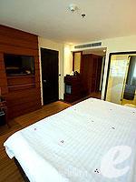 プーケット プールアクセスのホテル : ノボテル プーケット ビンテージ パークリゾート(Novotel Phuket Vintage Park)のファミリールームの設備 Bedroom