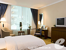 バンコク スワンナプーム空港周辺のホテル : ノボテル スワンナプーム エアポート ホテル(Novotel Bangkok Suvarnabhumi Airport)のお部屋「デラックス ウィズ ブレックファースト」