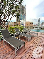 Poolside : Oakwood Residence Skumvit 24 Bangkok, Swiming Pool, Phuket