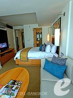 バンコク スクンビットのホテル : オークウッド レジデンス スクンビット24 バンコク(Oakwood Residence Skumvit 24 Bangkok)のスタジオ スーペリア (ルームオンリー)ルームの設備 Living Area