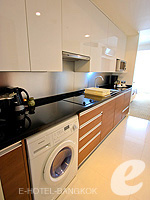 バンコク スクンビットのホテル : オークウッド レジデンス スクンビット24 バンコク(Oakwood Residence Skumvit 24 Bangkok)のスタジオ エグジクティブ (ルームオンリー)ルームの設備 Washing Macine
