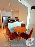 バンコク スクンビットのホテル : オークウッド レジデンス スクンビット24 バンコク(Oakwood Residence Skumvit 24 Bangkok)の1ベッドルーム (ルームオンリー)ルームの設備 Dining Area