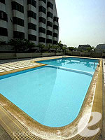 Swimming Pool : Omni Tower Sukhumvit Nana by Compass Hospitality, Long Stay, Phuket