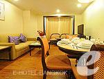バンコク ファミリー&グループのホテル : オムニ タワー スクンビット ナナ バイ コンパス ホスピタリティ(Omni Tower Sukhumvit Nana by Compass Hospitality)の1 ベッドルーム プレミアルームの設備 Master Bedroom