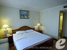 バンコク ファミリー&グループのホテル : オムニ タワー スクンビット ナナ バイ コンパス ホスピタリティ(Omni Tower Sukhumvit Nana by Compass Hospitality)のお部屋「2ベッドルーム エグゼクティブ」