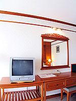 プーケット フィットネスありのホテル : オーキダシア リゾート(Orchidacea Resort)のデラックス シービュー ルームの設備 Television
