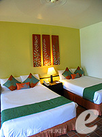 プーケット スパ併設のホテル : アウトリガー ラグーナ プーケット リゾート(Outrigger Laguna Phuket Beach Resort)のデラックス ラグーンルームの設備 Bedroom