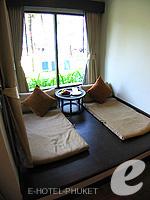 プーケット バンタオビーチのホテル : アウトリガー ラグーナ プーケット リゾート(Outrigger Laguna Phuket Beach Resort)のデラックス ラグーンルームの設備 Relax Area