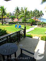 プーケット スパ併設のホテル : アウトリガー ラグーナ プーケット リゾート(Outrigger Laguna Phuket Beach Resort)のデラックス ラグーンルームの設備 Balcony