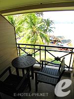プーケット スパ併設のホテル : アウトリガー ラグーナ プーケット リゾート(Outrigger Laguna Phuket Beach Resort)のクラブ シービュールームの設備 Balcony