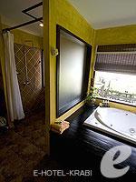 クラビ キャンペーンのホテル : ピピ アイランド ヴィレッジ ビーチリゾート(Phi Phi Island Village Beach Resort)のビーチフロント ジュニア スイートルームの設備 Bathroom