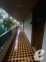 Passage : P. P. Palm Tree Resort, Phi Phi, Phuket