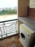 パタヤ シラチャーのホテル : パシフィック パーク ホテル & レジデンス(Pacific Park Hotel & Residence)のエグゼクティブ スーペリア(ホテル ウィング)ルームの設備 Washing Machine