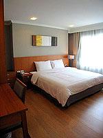 パタヤ シラチャーのホテル : パシフィック パーク ホテル & レジデンス(Pacific Park Hotel & Residence)のエグゼクティブ デラックス コーナー(ホテル ウィング)ルームの設備 Bedroom