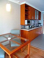 パタヤ シラチャーのホテル : パシフィック パーク ホテル & レジデンス(Pacific Park Hotel & Residence)のエグゼクティブ デラックス コーナー(ホテル ウィング)ルームの設備 Dining