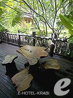 Terrace : Family Room A Not Beach Front(P) (มาเป็นครอบครัว&หมู่คณะ) โรงแรมในกระบี่, ประเทศไทย