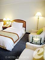 バンコク サイアム・プラトゥーナムのホテル : パトゥムワン プリンセス ホテル(Pathumwan Princess Hotel)のスーペリアルームの設備 Relax Area