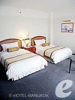 バンコク サイアム・プラトゥーナムのホテル : パトゥムワン プリンセス ホテル(Pathumwan Princess Hotel)のデラックスルームの設備 Bedroom