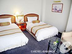バンコク サイアム・プラトゥーナムのホテル : パトゥムワン プリンセス ホテル(Pathumwan Princess Hotel)のお部屋「デラックス」