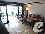 プーケット ビーチフロントのホテル : パトン ベイ ガーデン リゾート(Patong Bay Garden Resort)のジュニア スイートルームの設備 Living Area