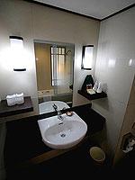 プーケット パトンビーチのホテル : パトン メルリン ホテル(Patong Merlin Hotel)のスーペリアルームの設備 Bath Room