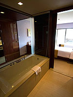 プーケット パトンビーチのホテル : パトン メルリン ホテル(Patong Merlin Hotel)のデラックスプールアクセス(シングル)ルームの設備 Bath Room