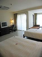 プーケット パトンビーチのホテル : パトン パラゴン リゾート&スパ(Patong Paragon Resort & Spa)のデラックスルームの設備 Bedroom